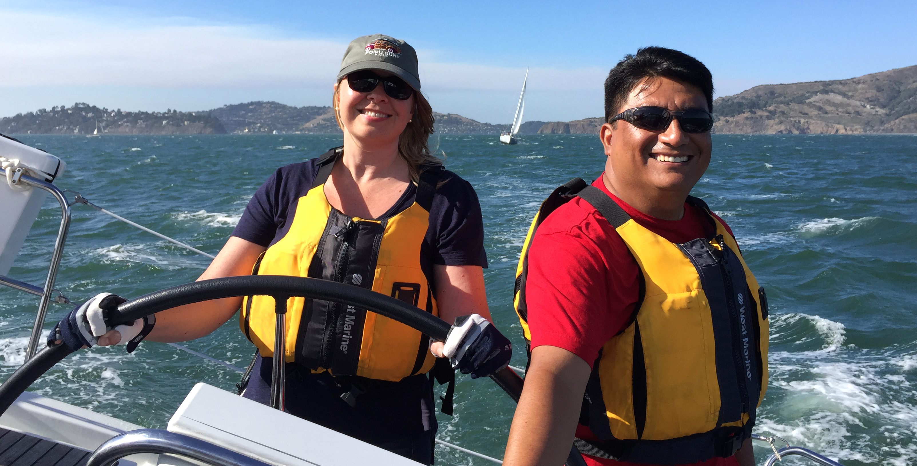 Sailing on San Francisco Bay in a private lesson with Modern Sailing School and Club