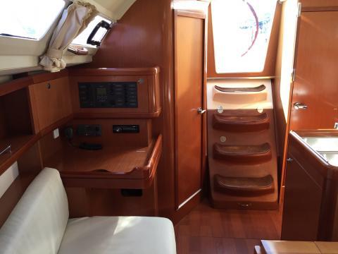 Sailboat charter Beneteau Oceanis 31