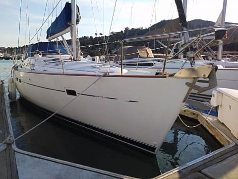 Sijambo Beneteau 423 charter sailboat