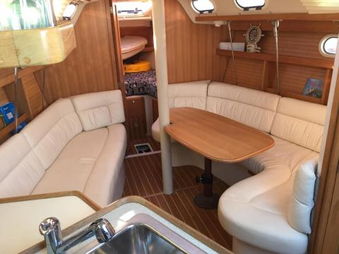 Catalina 320 Sailboat Charter